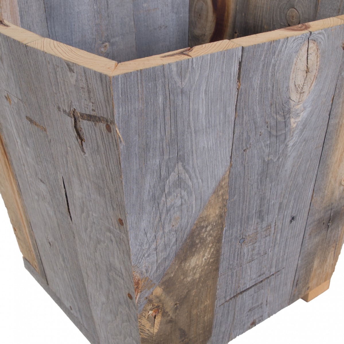 Interior pot / Barn wood